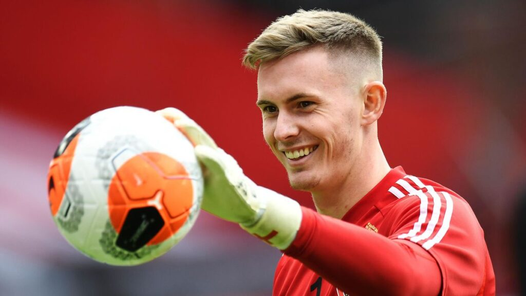 Dean Henderson returns to Manchester United from Sheffield United loan.