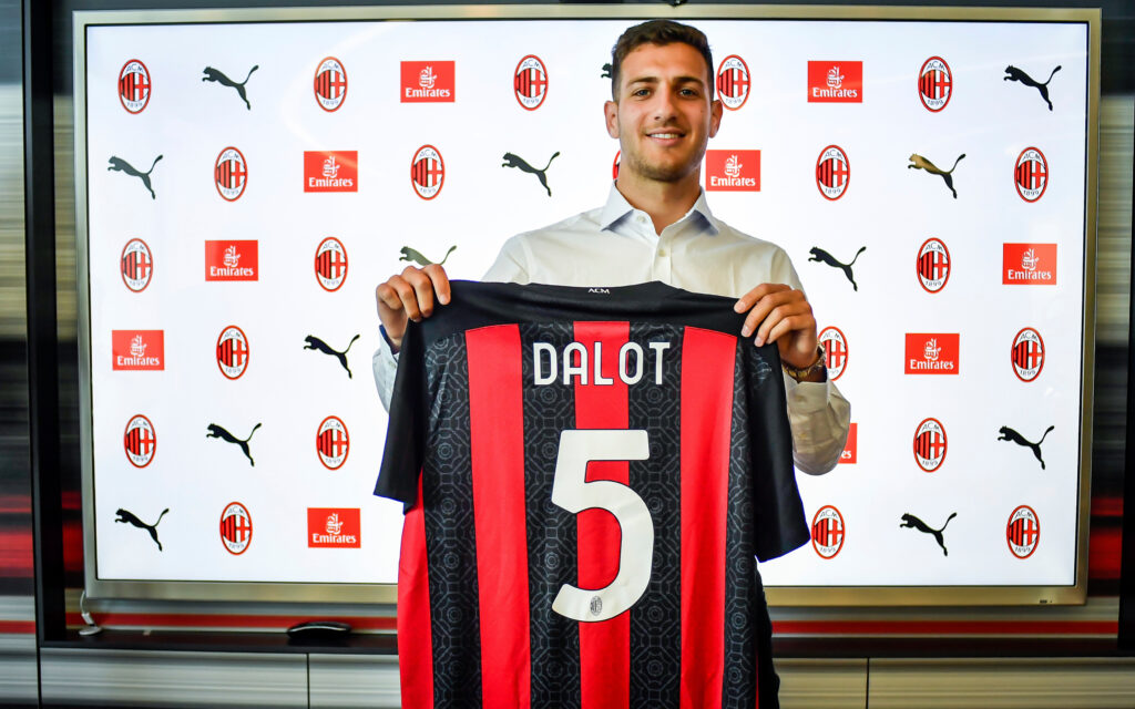 Dalot fan base wanted more chances for him, but they can only hope that on his return in next transfer window.